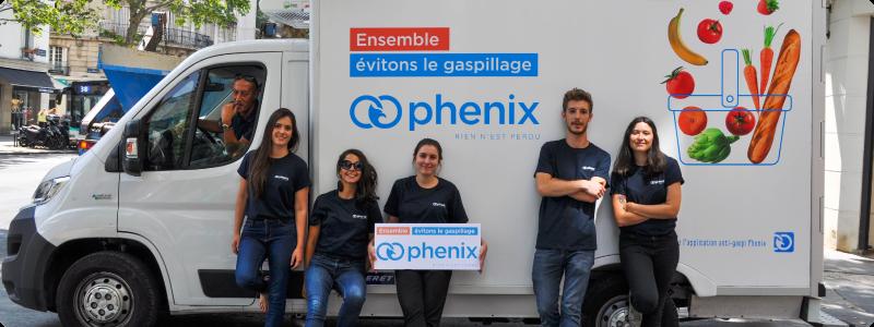 les-equipes-Phenix-accompagnent-les-magasins-et-les-associations-dans-le-don-alimentaire-des-invendus