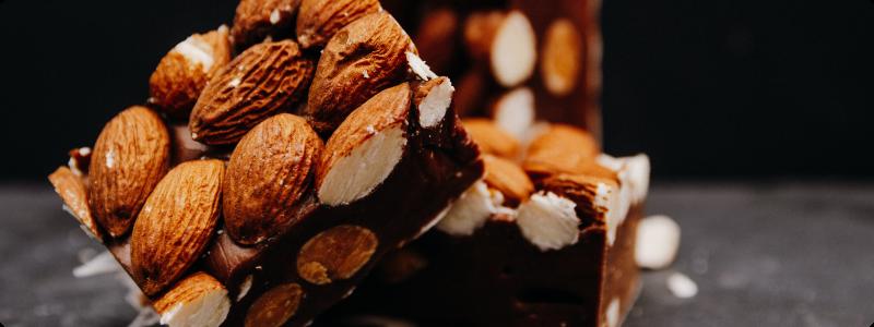 recette-simple-de-tablettes-de-chocolat-maison-avec-toppings