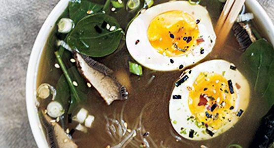 receta aprovechamiento caldo de pollo estilo ramen